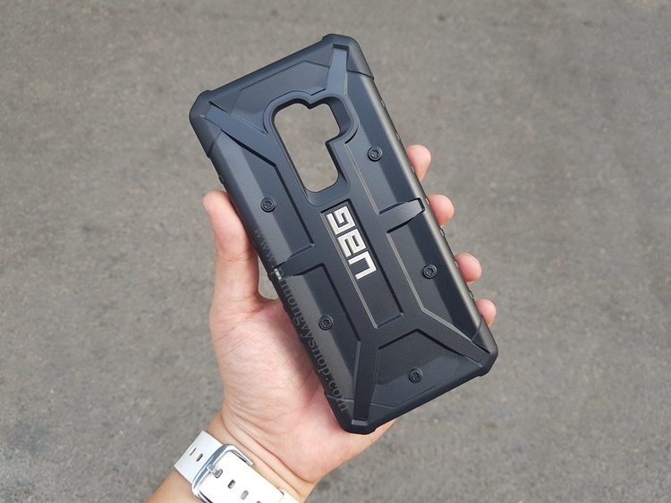 uag-pathfinder-galaxy-s9-plus-1