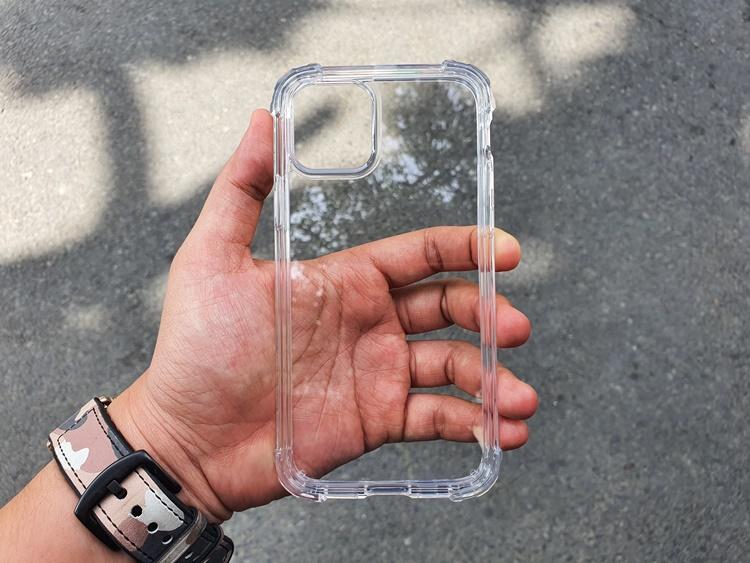 Ốp dẻo chống sốc gù góc IPAKY iPhone 11