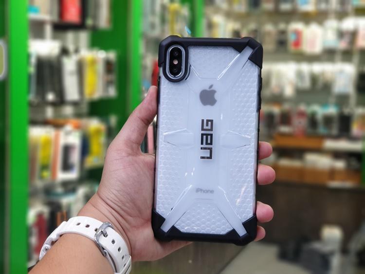 uag-plasma-iphone-xs-max-10