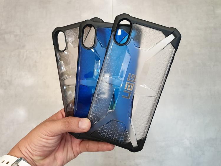 uag-plasma-iphone-xs-max-12