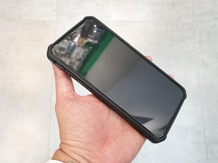 uag-plyo-iphone-xs-max-5